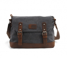 Factory wholesale vintage style waxy canvas messenger bag for men